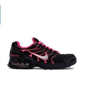 Nike pink shoe